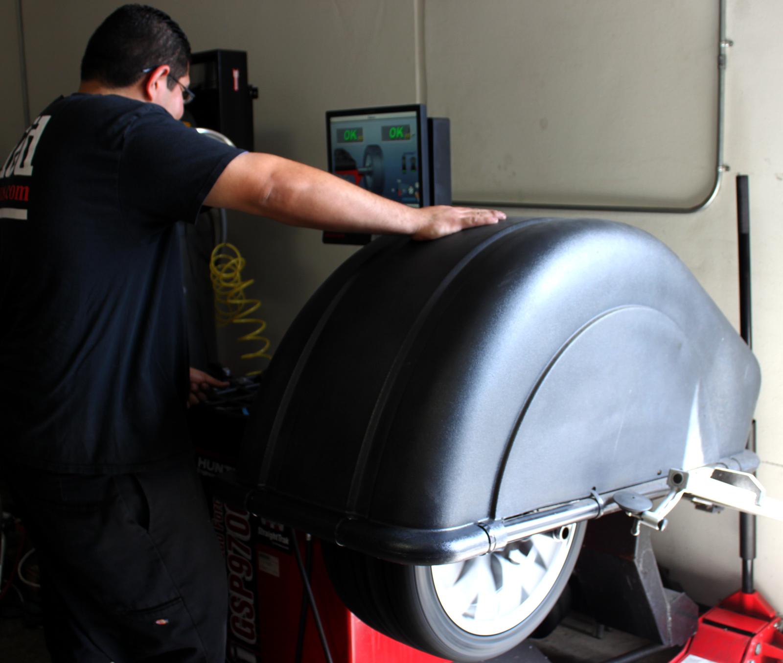 tire-balancer-004