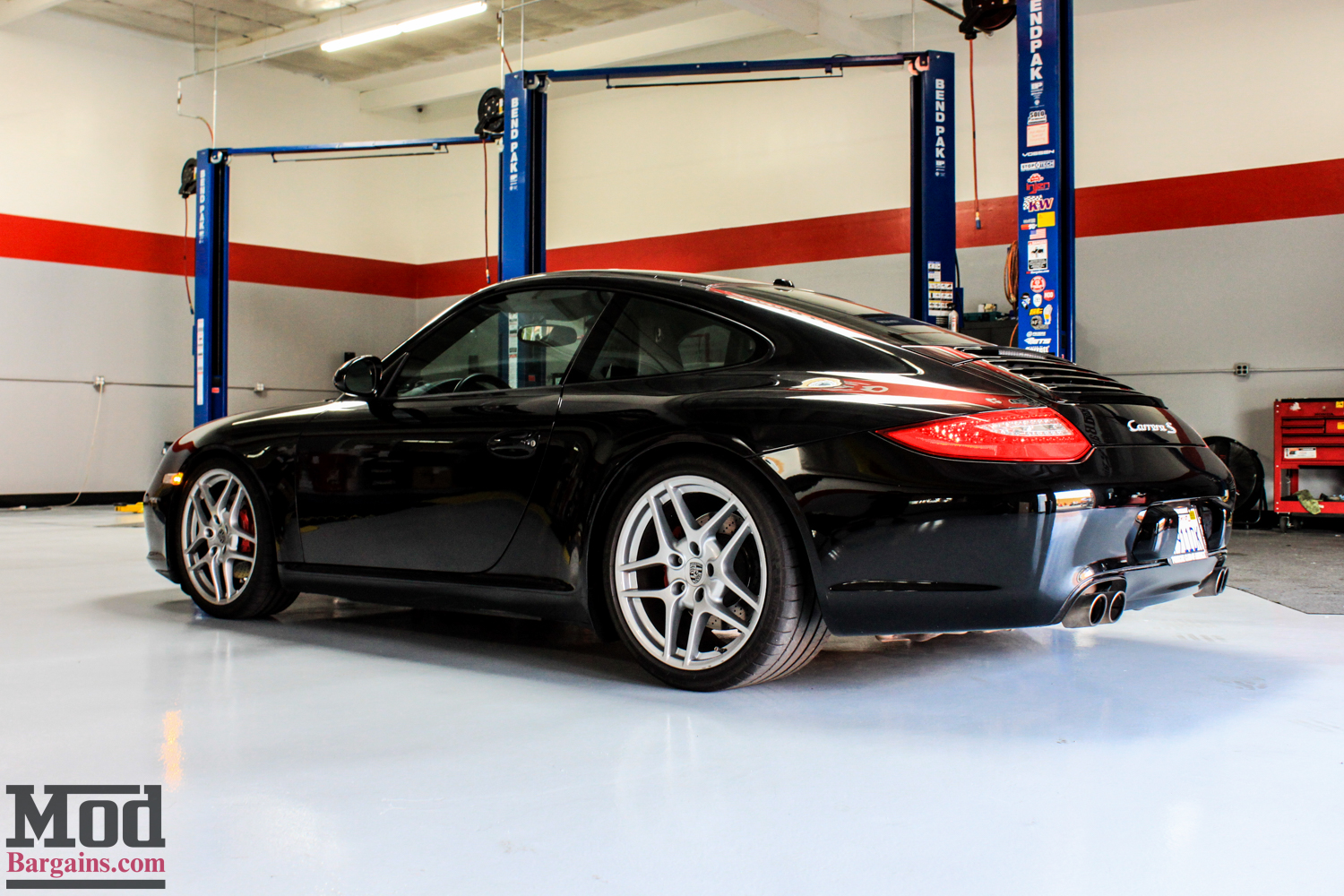 porsche 997 carrera s stuns on red forgestar cf10 wheels. Black Bedroom Furniture Sets. Home Design Ideas