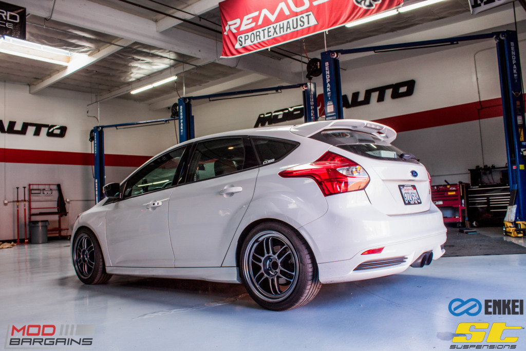 Ford Focus ST 14 CX FMIC ST X Coilovers Enkei RPF-1 Steeda Rear Sway Milltek nonres (9)