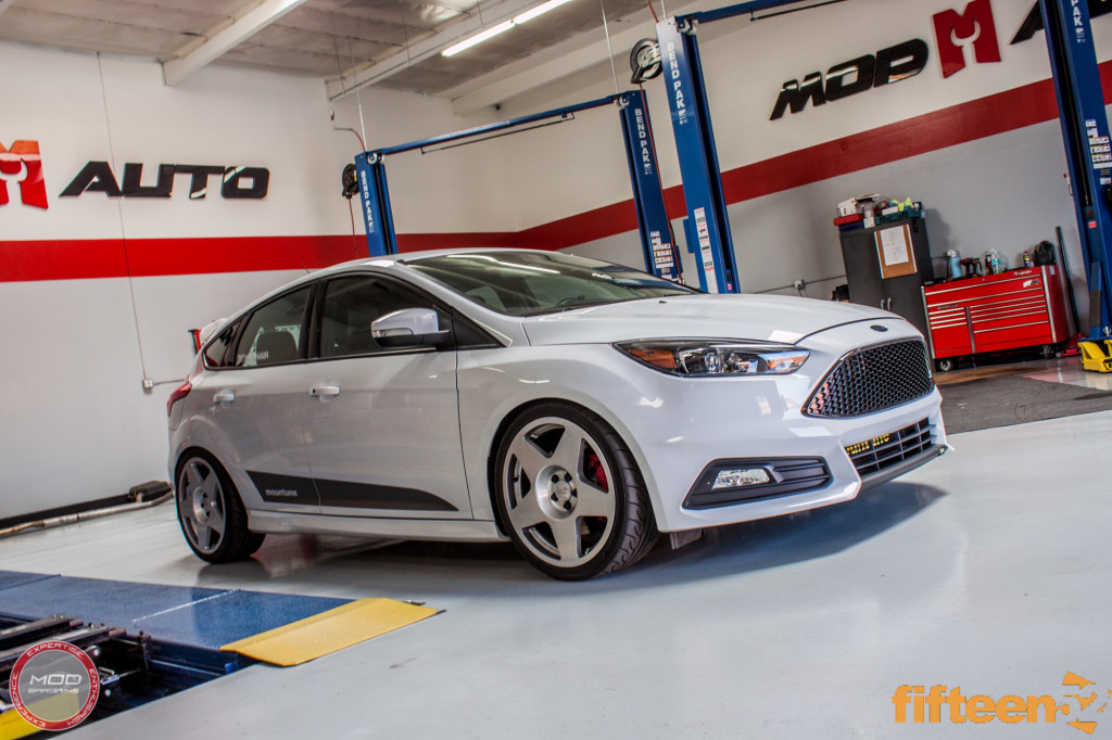 Ford_Focus_ST_2016_Mountune_MP275_Fifteen52_Tarmac_Silver (25)
