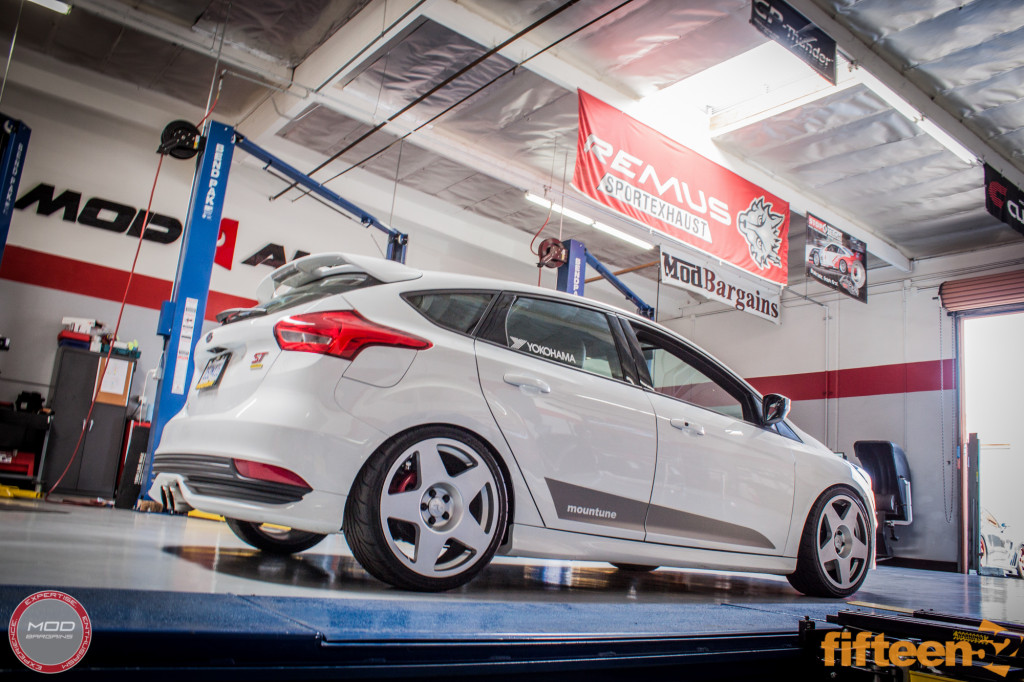 Ford_Focus_ST_2016_Mountune_MP275_Fifteen52_Tarmac_Silver (3)