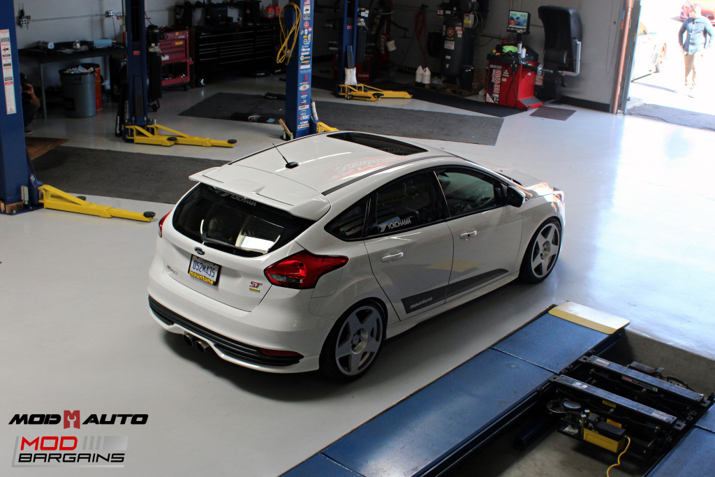 Ford_Focus_ST_2016_Mountune_MP275_Fifteen52_Tarmac_Silver (40)