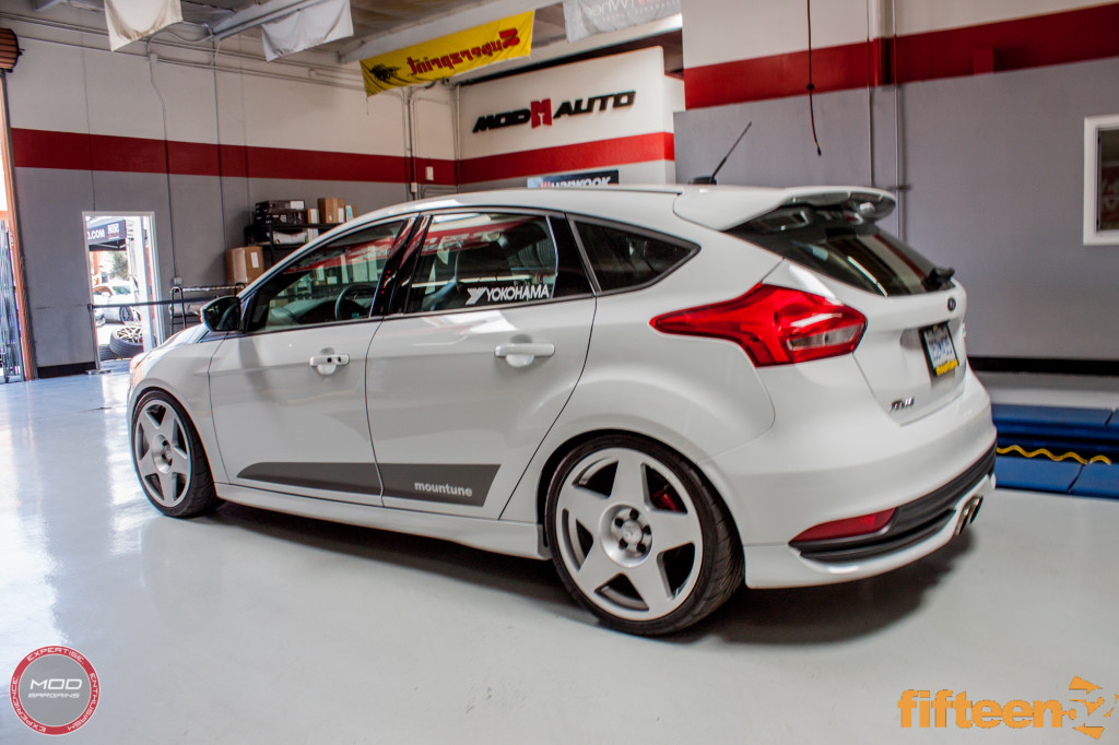 Ford_Focus_ST_2016_Mountune_MP275_Fifteen52_Tarmac_Silver (5)