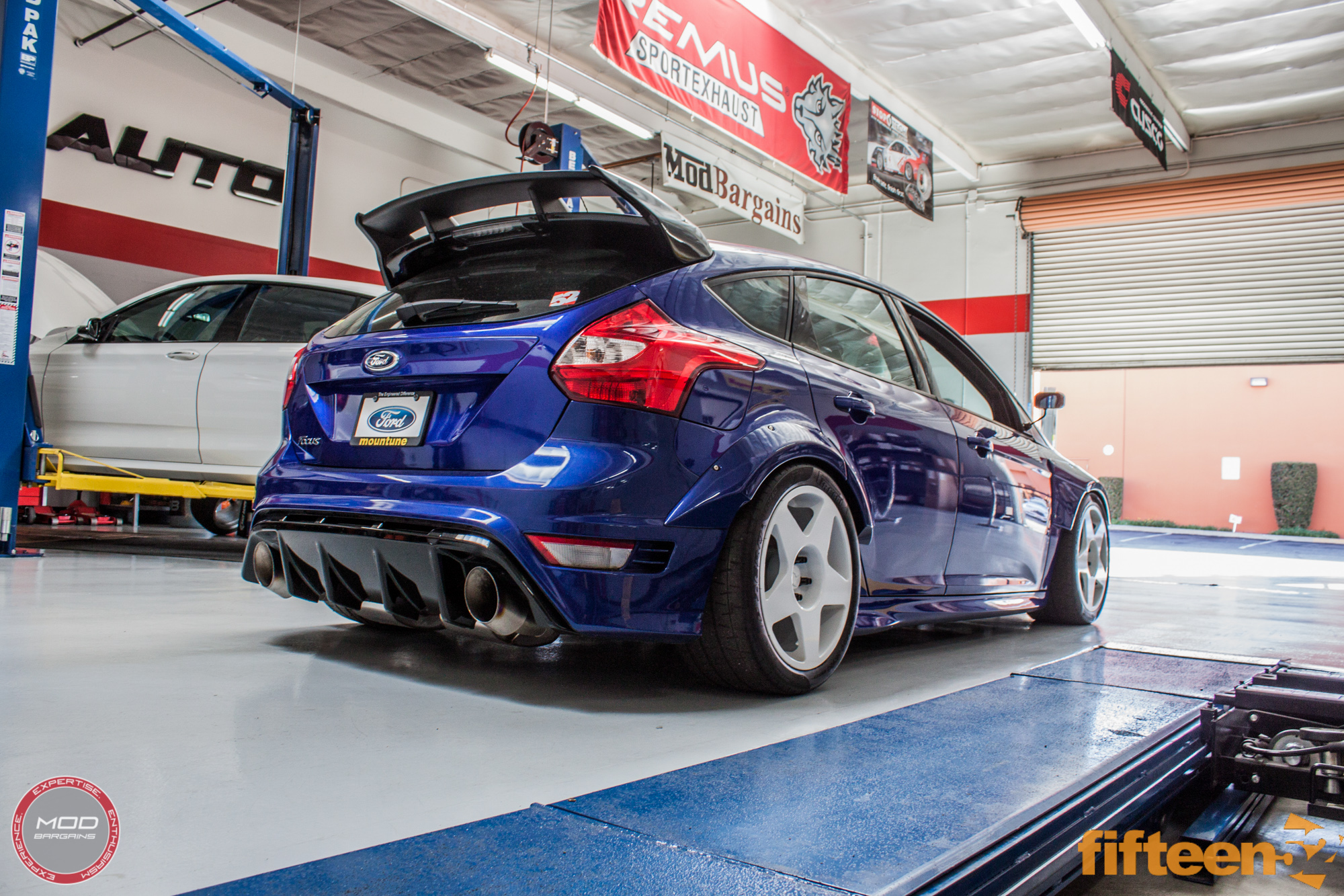 Ford Focus Oil Change >> Spotlight: fifteen52's INSANE 500hp Ford Focus ST TrackSTer