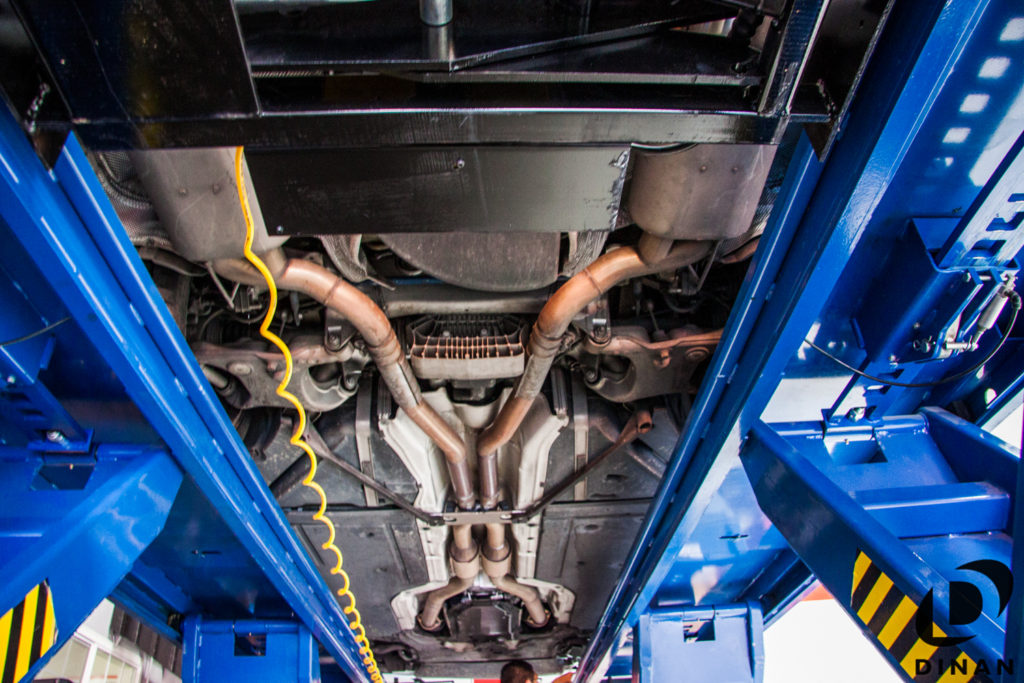 BMW_E60_M5_Dinan_Exhaust-3