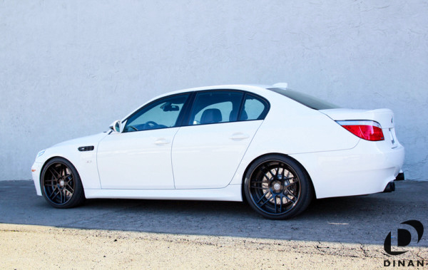 BMW_E60_M5_Dinan_Exhaust_img002