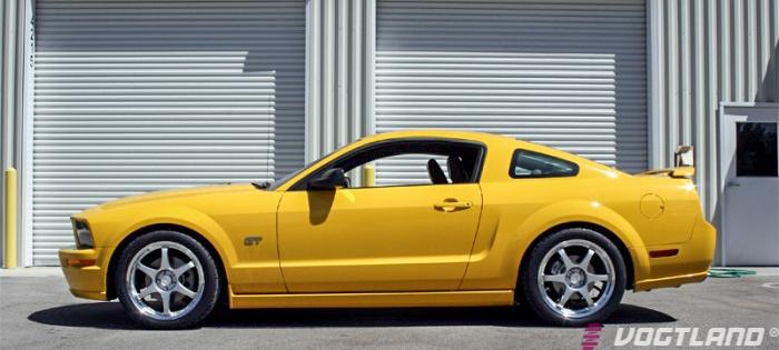 Ford_S197_Mustang_GT_Vogtland_Springs_Img001