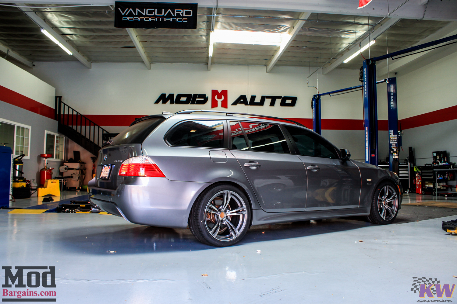 E61 Bmw 535i Xdrive Touring On Kw Coilovers Modauto
